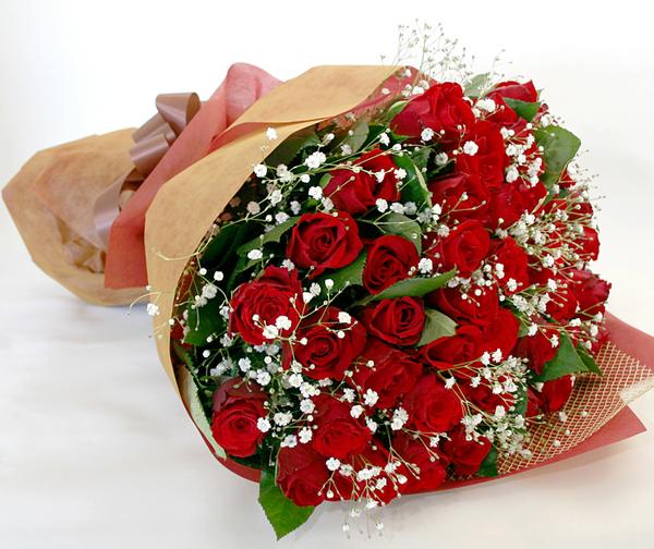 ◆バラ(薔薇)の花束◆レッド46本 かすみ草付