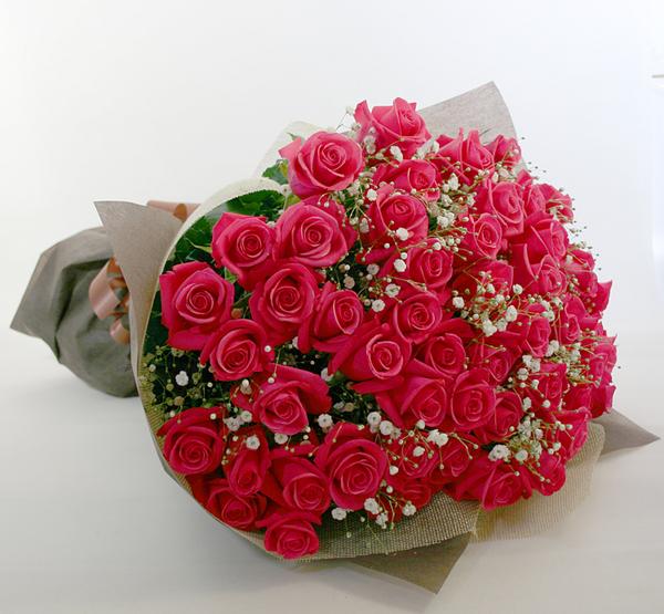 ◆バラ(薔薇)の花束◆ピンク50本 かすみ草付