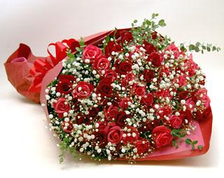 ◆バラ(薔薇)の花束◆レッド・ピンクMIX60本 かすみ草付き