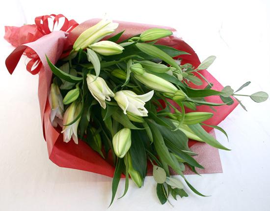 <卒業祝いの花>*カサブランカ花束*