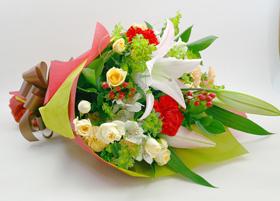華やかな美しい花束!オススメです!