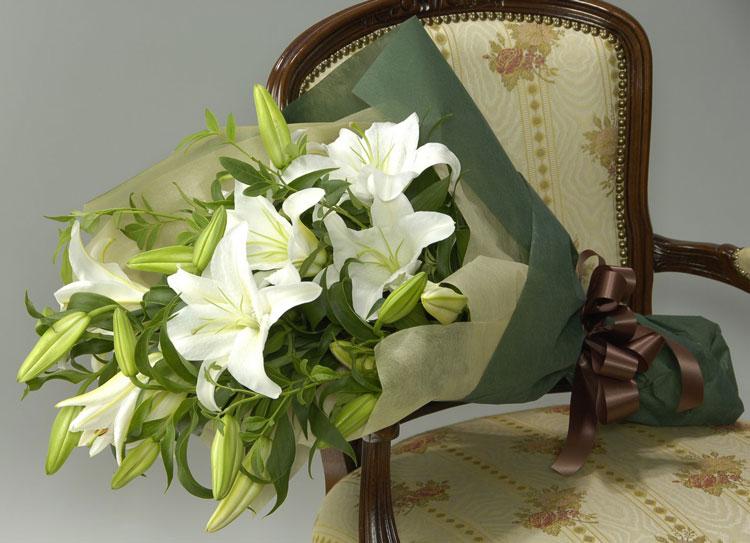 ◇お供え花束◇カサブランカの花束