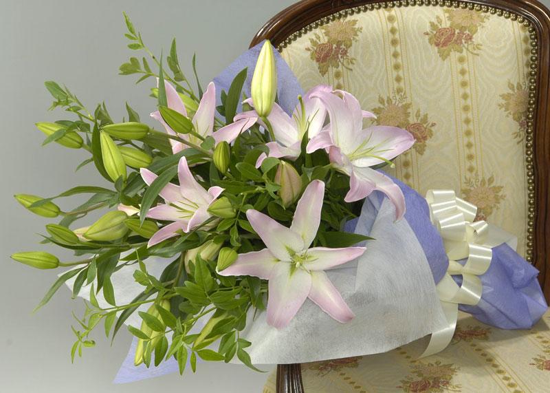 ◇お供え花束◇ゆりの花束
